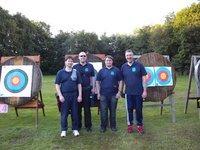 Zwei Bogen-Teams beim 12-Stunden-Turnier in Ibbenbüren